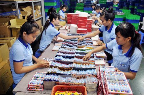 Công ty Cổ phần Tập đoàn Thiên Long tạo việc làm và thu nhập ổn định cho trên 1.000 công nhân