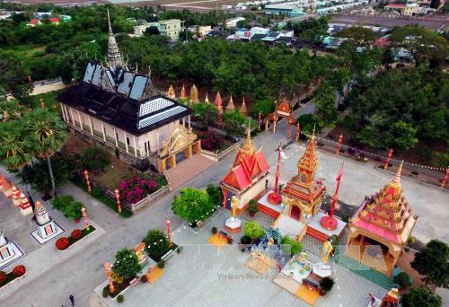 Du lịch Việt Nam: Chùa Xiêm Cán - một trong những ngôi chùa Khmer lớn nhất và lộng lẫy nhất trong hệ thống chùa Khmer ở Nam Bộ