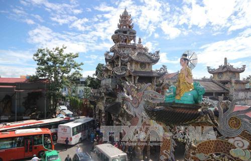 Du lịch Việt Nam: Chùa Linh Phước (Lâm Đồng) có nhiều kỷ lục Việt Nam