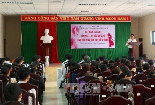 Thừa Thiên - Huế: Khám, tư vấn miễn phí ung thư vú và ung thư cổ tử cung bệnh nhân nghèo
