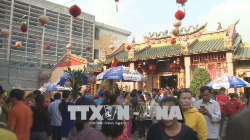 Hàng ngàn du khách đổ về Bình Dương dự Lễ hội Chùa bà Thiên Hậu