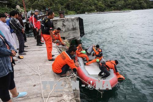 Số người mất tích trong vụ chìm thuyền tại Indonesia tiếp tục tăng